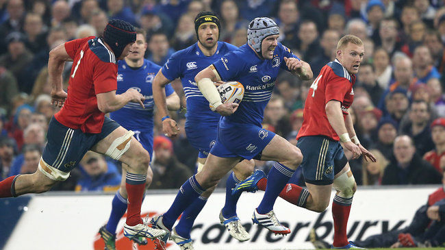 Shane Jennings makes a break for Leinster