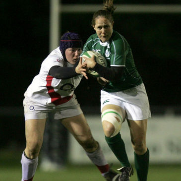 Ireland winger Shannon Houston in action against England's Claire Purdy