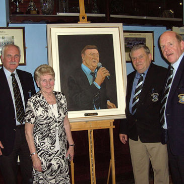 Tadhg Crowe, Violet O'Flynn, Martin Clancy and Jack Keane with the painting
