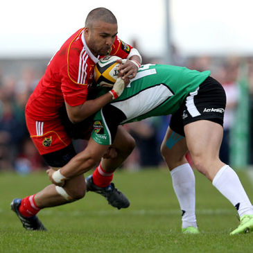 Simon Zebo in Magners League action for Munster