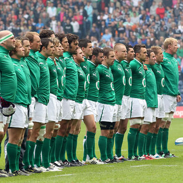 Leo Cullen and the Ireland squad line up at Murrayfield