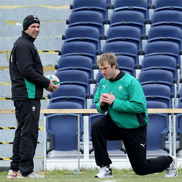 Physio Cameron Steele monitors Stephen Ferris' fitness