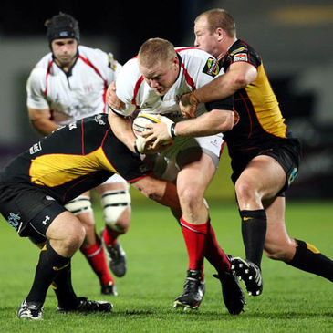 Tom Court in action for Ulster against the Dragons