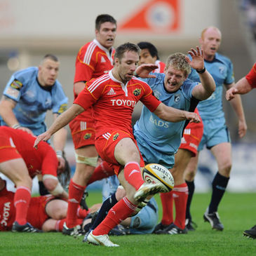 Munster's Tomas O'Leary in action against Cardiff
