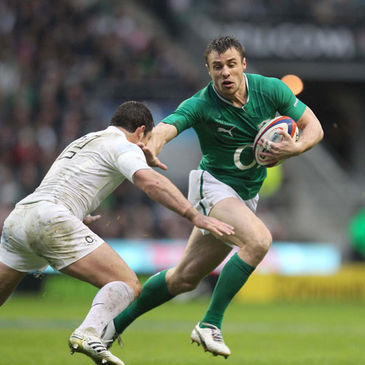 Ireland winger Tommy Bowe in action against England