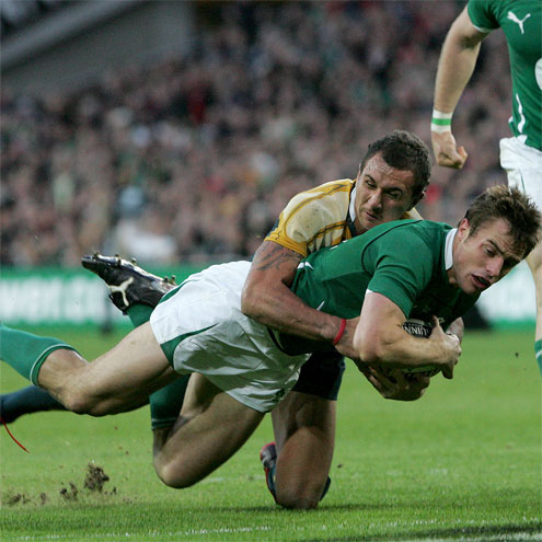 Tommy Bowe gets over for Ireland's first try