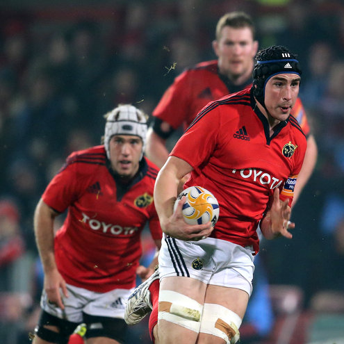 Tommy O'Donnell races forward for Munster
