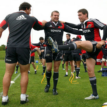 Wian du Preez, Denis Fogarty and Ronan O'Gara warm up