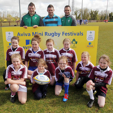 The Enniskillen girls with Mike Ross, Fergus McFadden and David Kearney