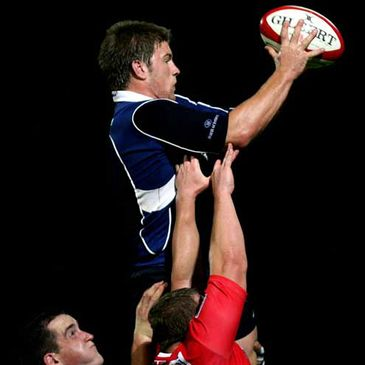 Leinster's Sean O'Brien takes a lineout ball