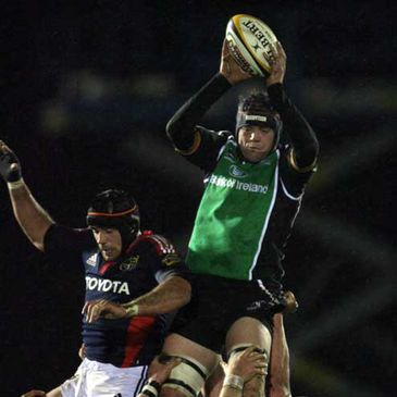 Connacht's David Gannon wins a lineout ball against Munster