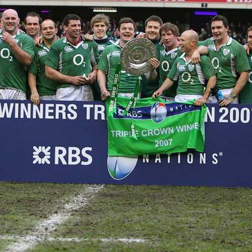 Ireland celebrate their 2007 Triple Crown win