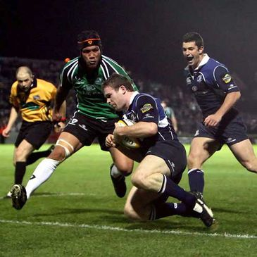 Leinster's Gordon D'Arcy goes over for his second try against Connacht