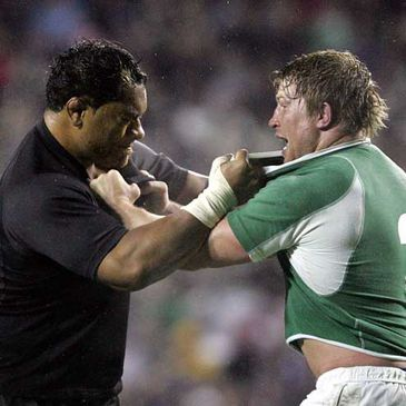 Neemia Tialata and Jerry Flannery clash during one of the 2006 Tests