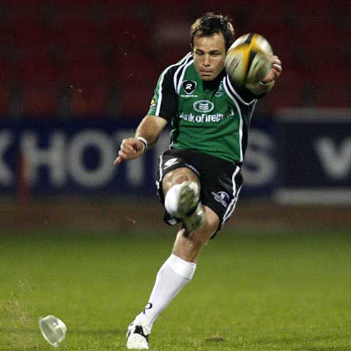 Connacht's Tim Donnelly kicks for goal