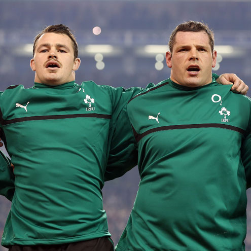 Ireland props Cian Healy and Mike Ross have signed new contracts to remain with Leinster