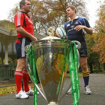 Munster's Anthony Foley in discussion with Leinster captain Brian O'Driscoll