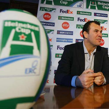 Leinster coach Michael Cheika has tipped Munster to win the Heineken Cup final