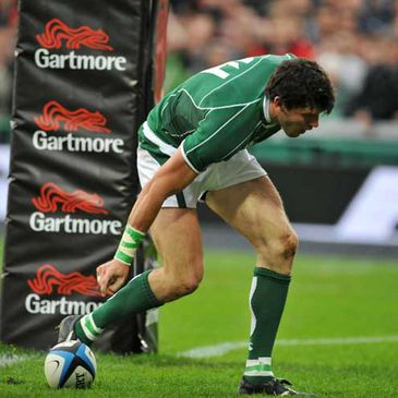 Shane Horgan scoring his second try for Ireland against the Barbarians
