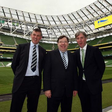Philip Browne and John Delaney wiith Taoiseach Brian Cowen