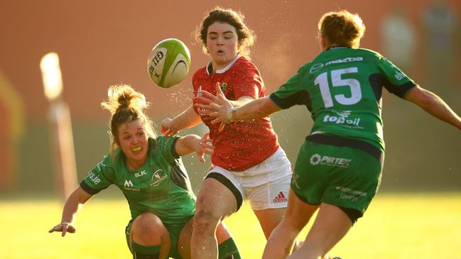 Munster's Deirbhile Nic a Bhaird in action against Connacht