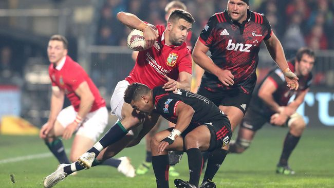 Much-Improved Lions Lower Crusaders' Colours
