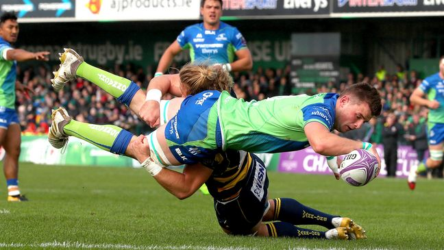Eoghan Masterson dives over to score a try against Worcester