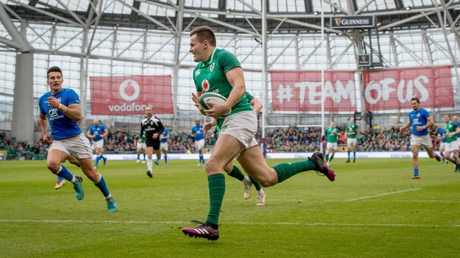 Jacob Stockdale runs in his second try of the game