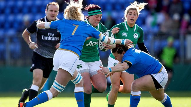 Lindsay Peat makes the hard yards for Ireland