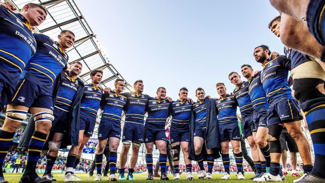 Isa Nacewa gives a team talk following Leinster's qualification for the final