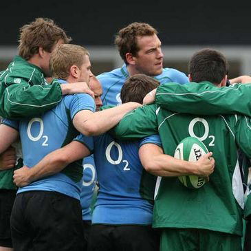The Ireland squad huddle at the Captain's run session