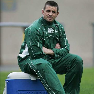 Alan Quinlan sitting out a training session