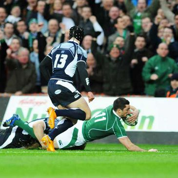 Rob Kearney goes over for his try against Scotland