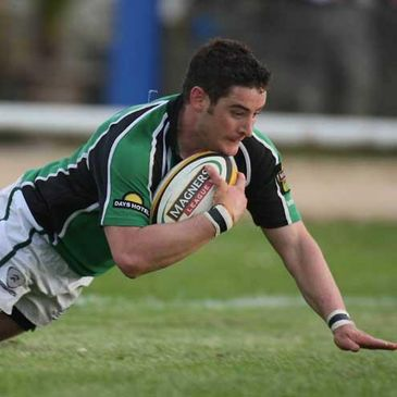 Keith Matthews gets over for a try for Connacht