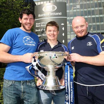 Shane Horgan, Brian O'Driscoll and Bernard Jackman pose with the Magners League trophy