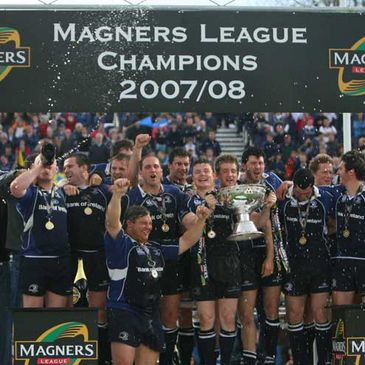 Leinster celebrate with the Magners League trophy
