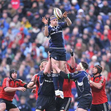 Jamie Heaslip wins lineout possession for Leinster against Munster