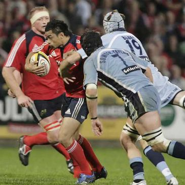 Munster's Lifeimi Mafi on the attack against the Blues
