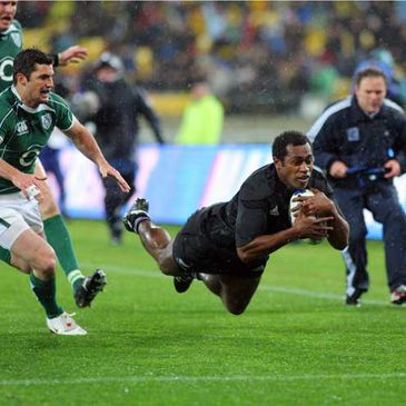 Sitiveni Sivivatu dives over for his try against Ireland