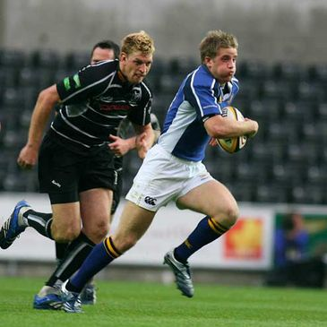 Leinster's Luke Fitzgerald on the attack in Swansea