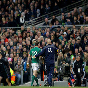 Brian O'Driscoll is taken off against new Zealand
