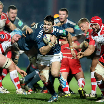 Conor Murray makes a break against Gloucester