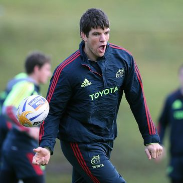 Donncha O'Callaghan training with the Munster squad