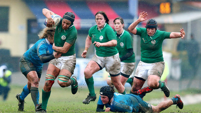 Sophie Spence carries the ball forward