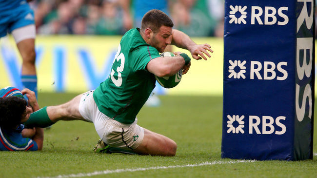 Fergus McFadden crosses for his second half try