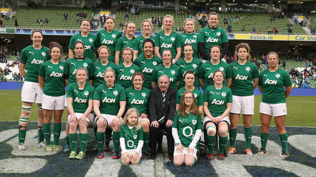 The Ireland Women's squad with IRFU President Pat Fitzgerald