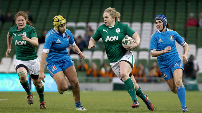 Niamh Briggs on the attack for Ireland