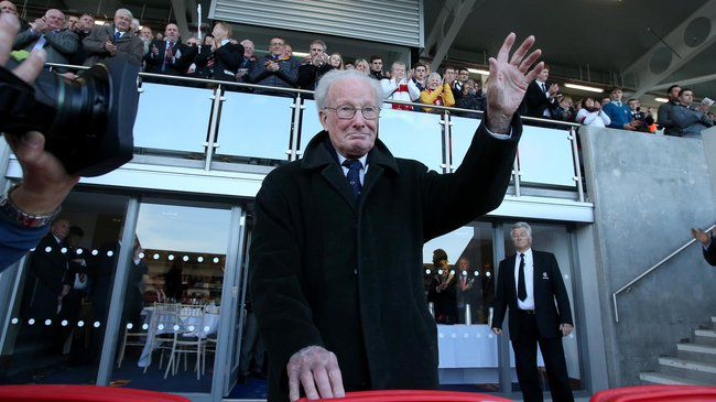 Tributes Paid To The Late Jack Kyle