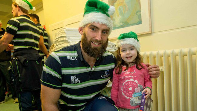 Connacht Squad Spread Christmas Cheer In Galway
