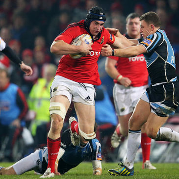 Tommy O'Donnell breaks forward for Munster